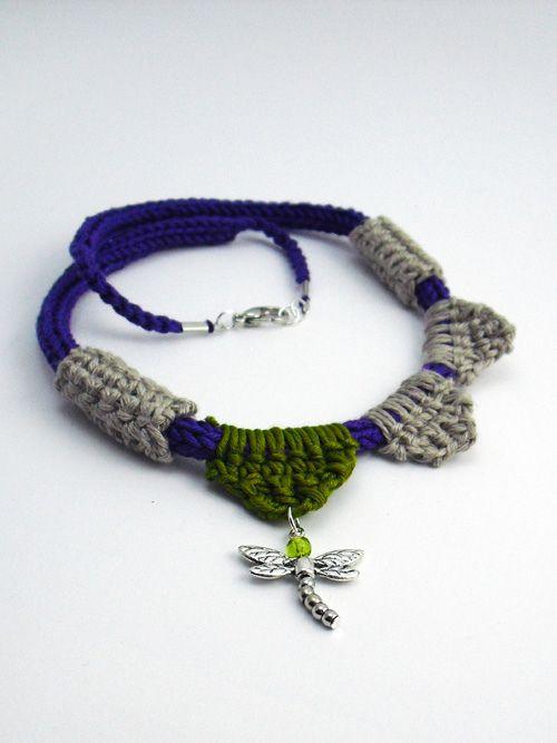 collana libellula tricotin e uncinetto