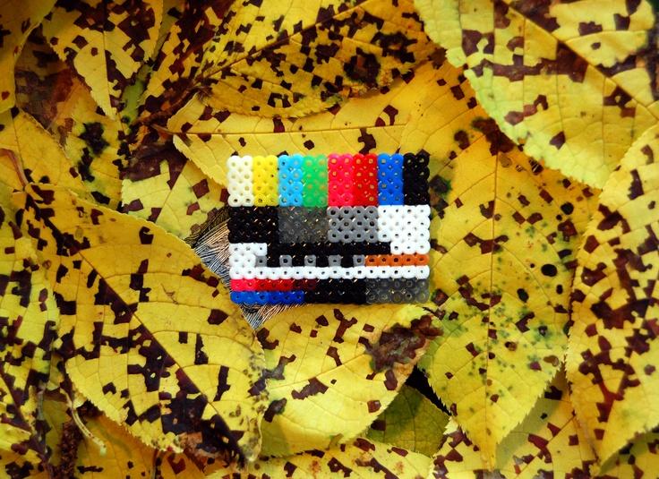 Telefunken FuBK TV test screen brooch (mini hama beads)