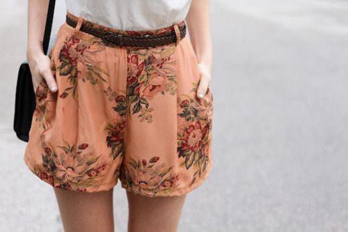 these shorts!Fashion, Floral Shorts, Style, Clothing, Flower Prints, Prints Shorts, Wear, Pattern Shorts, High Waist Shorts