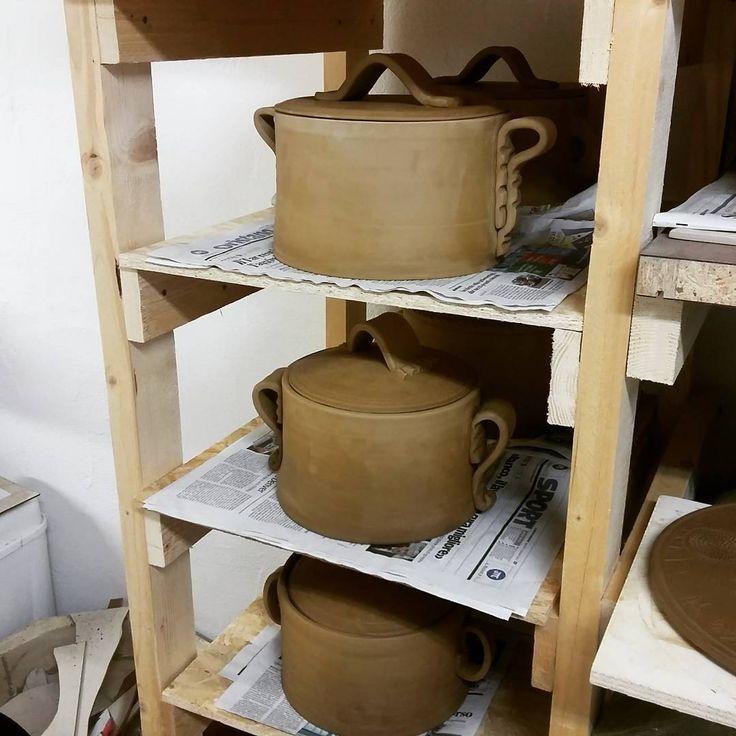Antoni Batzu 2016 #homecooking #italianfood #ceramica #ceramicstudio #ceramics #pot #pottery #terracotta #tegami#artigianato #handmade #cucina #minestrone #sugo #artesarda