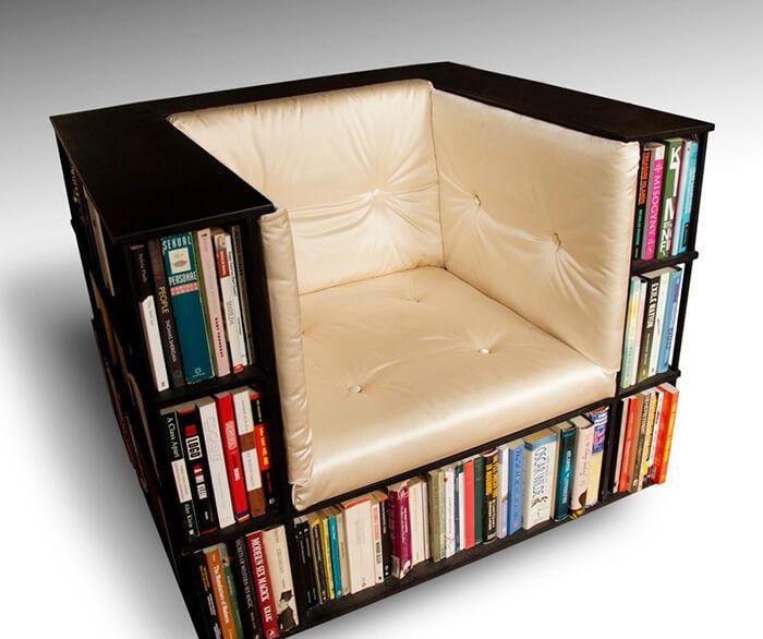 10 + der kreativsten Bücherregal Ideen, die du selbst nachbasteln kannst - Sessel und Regal in 1