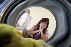Rimedi semplici ed efficaci per pulire la lavatrice quando puzza, utilizzando alcuni prodotti naturali come bicarbonato, soda e aceto