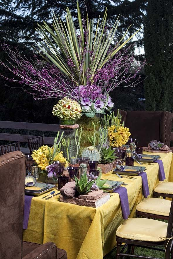 Love color & design of This Fall/Winter Tablescape
