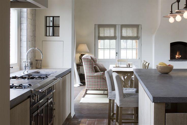 Kitchen by am designs. La Cornue stove available online www.amdesigns.com