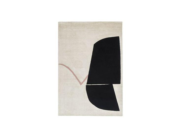 Handmade rug ANTIQUE ROSE AND BLACK by Karpeta