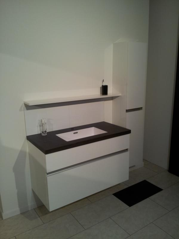 Top Core worktop + Corian sink for bathroom by Erbi
