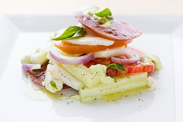 Heirloom Tomato Salad With Mozzarella And Basil Cream: Savory Food, Delicious Summer, Comforter Food, Heirloom Tomatoes Salad, Summer Salad, Beautiful Food, Basil Cream, Healthy Recipes, Fresh Mozzarella