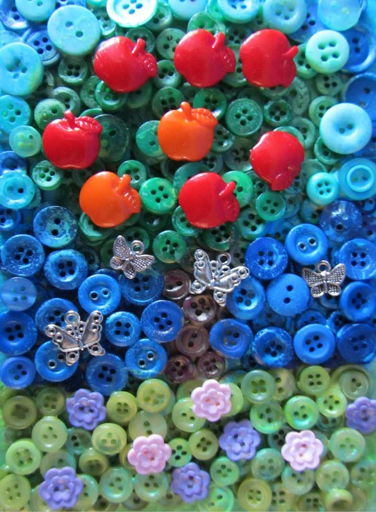 I have lots of buttons, so I'm always thinking of creative ways to use them all.