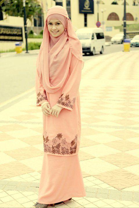 Baju kurung & shawl. Love it!!!