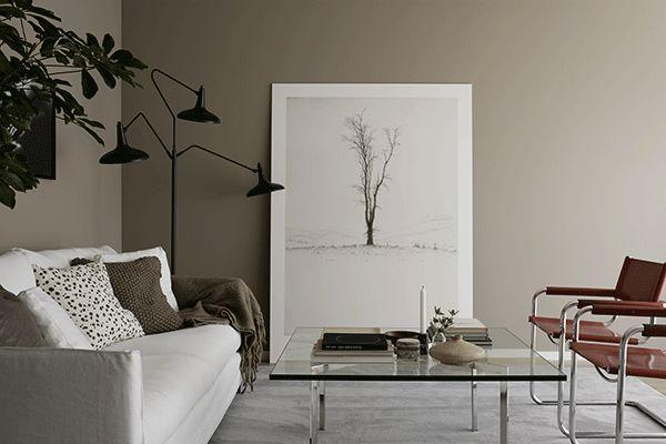 Hitta-hem-Nockeby-Backe-Anna-Marselius-vardagsrum-tavla