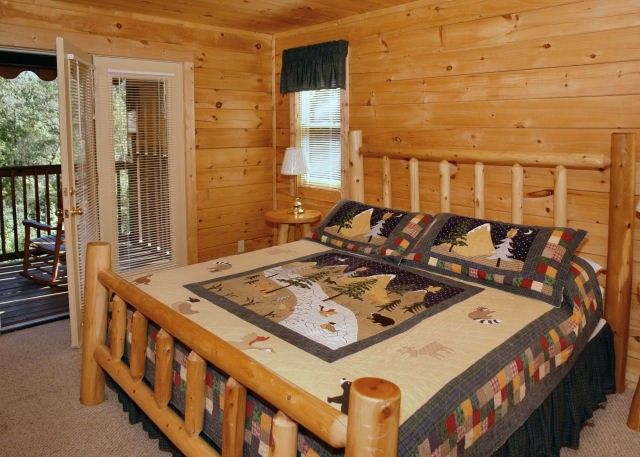 Above The Mist - This #Two #Bedroom log #Chalet in #Gatlinburg is 2200 square feet of amenities such as a larg living/dining area with a sleeper sofa, Charter TV/DVD/VCR & Charter High Speed Internet. There is also a #Pool #Table and an #Indoor #Sauna and #Flat #Screen.#Fun #Family #SmokyMountains #Vacation #View