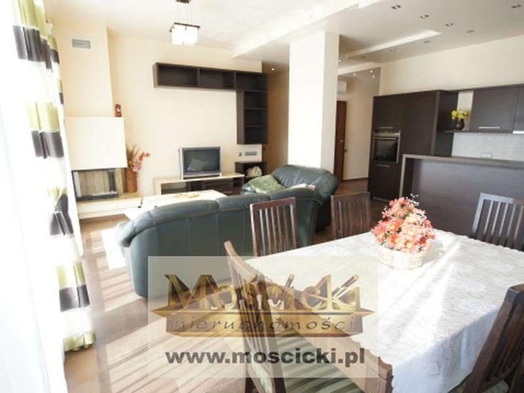 Do wynajęcia  4-pokojowy, w pełni umeblowany  apartament o pow ok 108m2, na Mokotowie w pobliżu stacji metra Wilanowska. Apartament  mieści się w kameralnym budynku, w którym są tylko 3 mieszkania, po jednym na każdej kondygnacji. Jest wykoń...