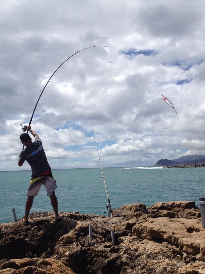 GT Fight Club, Hawaii - Charles casting the 3pc with a 200g stickbait with 7/0 treble hooks. Total weight about 240g.