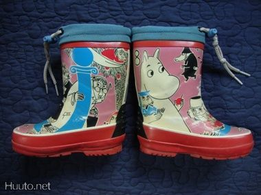 Moomin wellies!  Cuuuute!!!