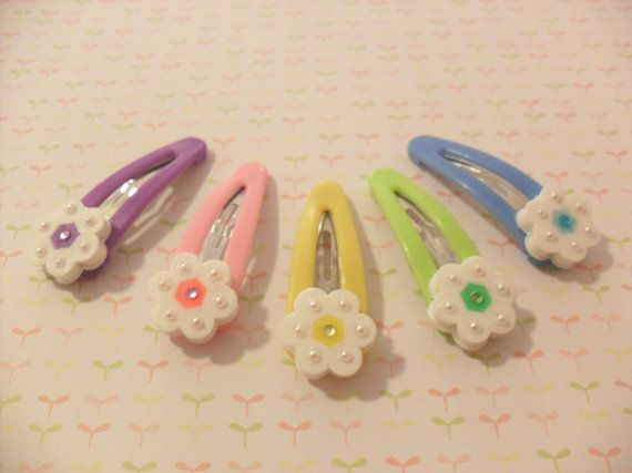 Set of 5 Flower Hair Clips made with perler beads by KawaiiLittlePresents