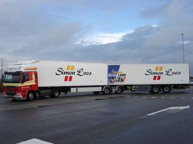 LZV van simon Loos met twee city trailers