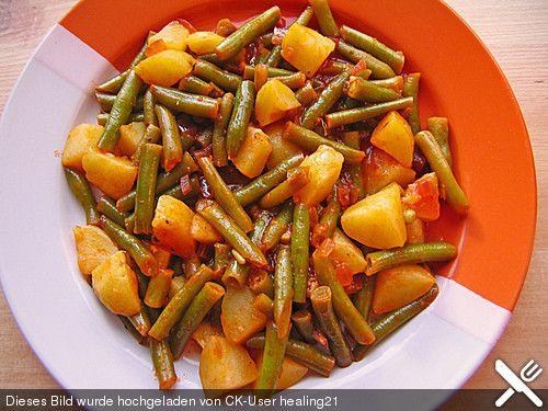 Grüne Bohnen mit Kartoffeln, ein raffiniertes Rezept aus der Kategorie Kochen. Bewertungen: 9. Durchschnitt: Ø 4,2.
