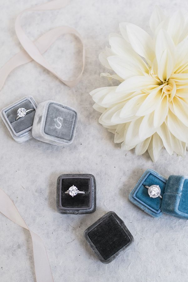 Susie Saltzman rings in velvet ring boxes | Photo by Alexis June Weddings