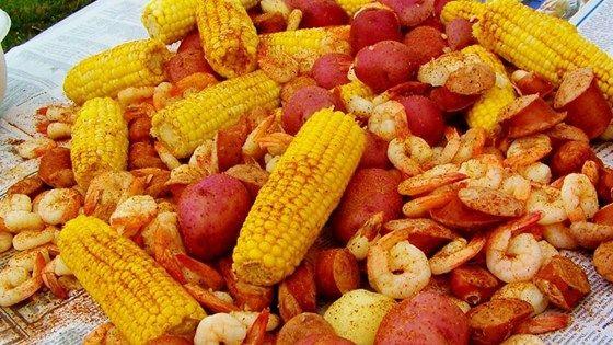 Low country fiesta de sopa de camarones y fiesta de cangrejo hervido