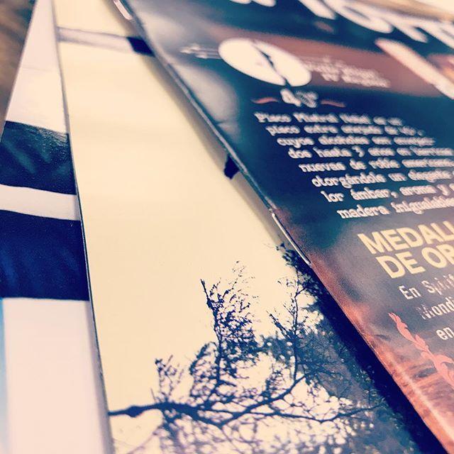 Corchete 🎊! Una alternativa que no falla para impresos de poquitas páginas.    #print #impresiónoffset #impresión #impresiondigital #diseñografico #diseñoeditorial #ideascreativas #corchetes #aimpresores #encuadernación #felizmiércoles