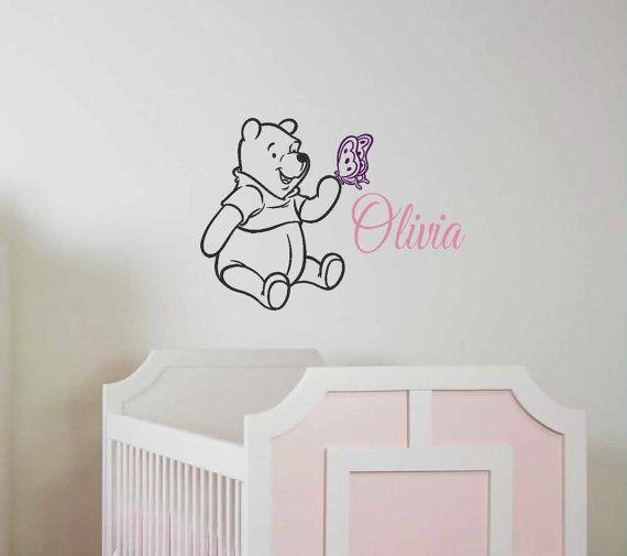 Decalcomania - nome di Winnie the Pooh farfalla - personalizzata ragazze Decalcomanie da muro - Nursury Stickers murali - Disney - arte della parete vinili decalcomanie della parete