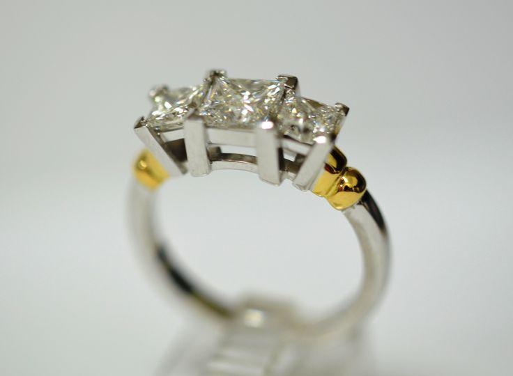 18ct wg diamond engagement ring