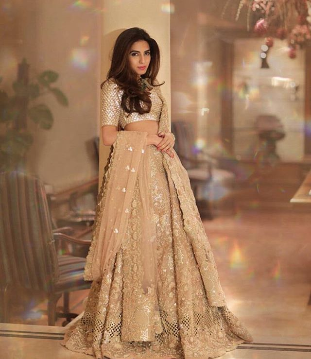 Gorgeous Elan bridal #gold #pakistanvogue #elan