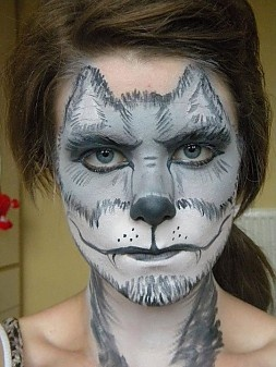http://www.snazaroo.com/your-face-painting-pictures/photos/2027/   Wolf Face Paint