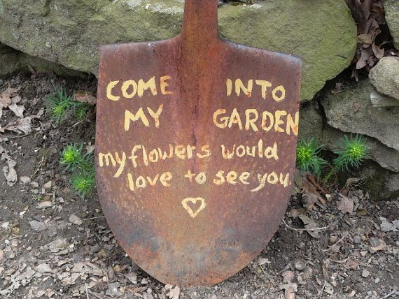 Hey, I found this really awesome Etsy listing at https://www.etsy.com/listing/129114881/rustic-vintage-garden-shovel-w-flower