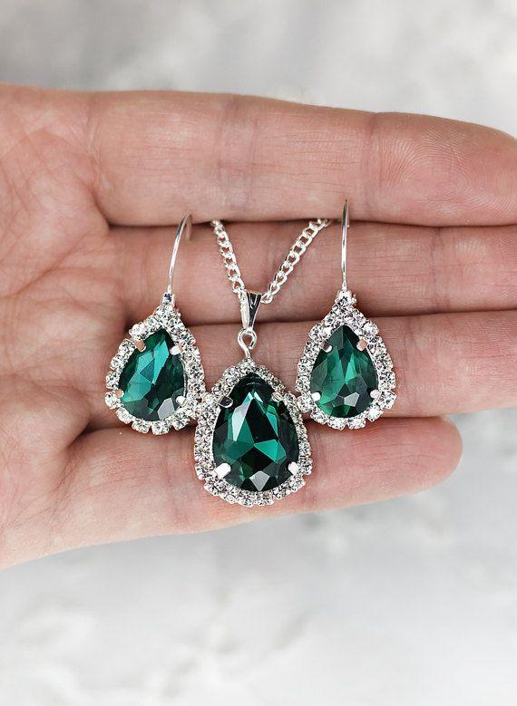 Marineblauw oorbellen bruidsmeisje Gift Jewelry Sapphire Earrings blauwe bruidsmeisje oorbellen iets blauw huwelijksjuwelen instellen donker blauwe oorbellen  Oorbellen-maten: lengte 1,4 (3.5 centimeters), breedte 0.6 (1,5 cm) Ketting oorbellen perfect matching: 17.8 (45cm)  Elke suite is verpakt in mooi design vak gebonden met satijnen lint en bevat een kaart afgebeeld in foto №5. Laat me weten nr. opmerkingen over de volgorde en ik zal hem binnen.  U kunt de kleur van het metaal van de…