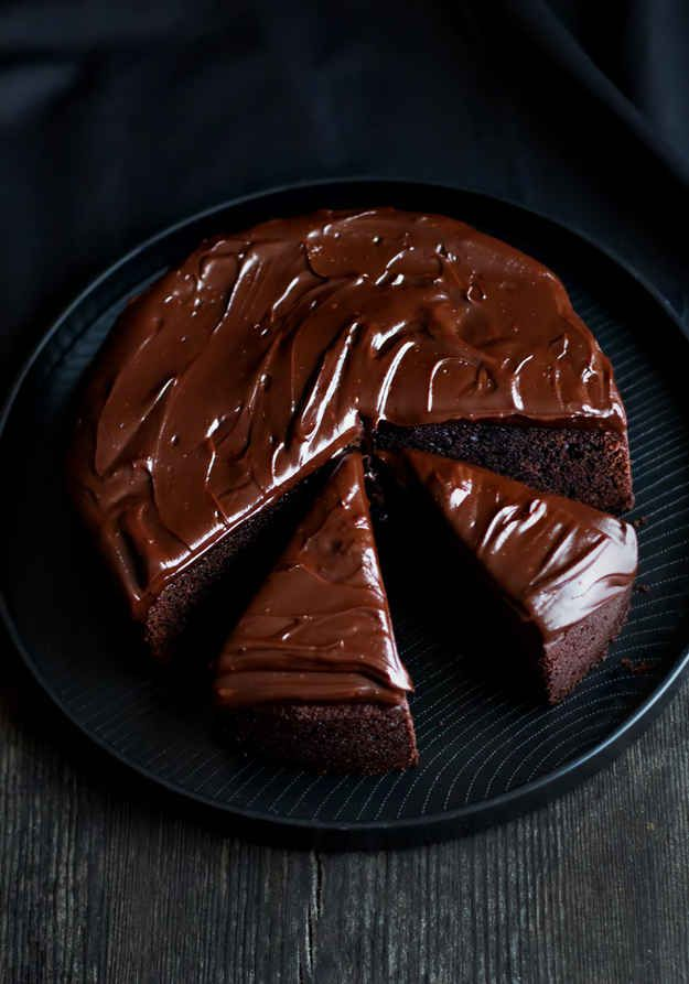 Bailey's Chocolate Mud Cake | 26 Boozy Desserts To Get You Tipsy On St. Patrick's Day