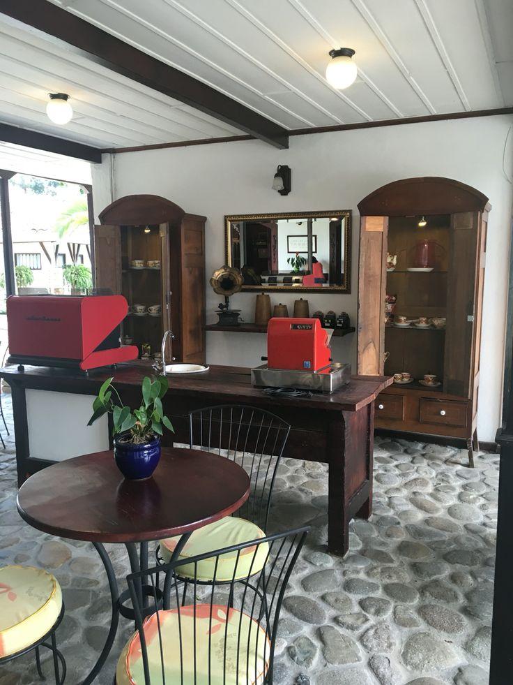 Café Hacienda Bombay  100% Café Colombiano