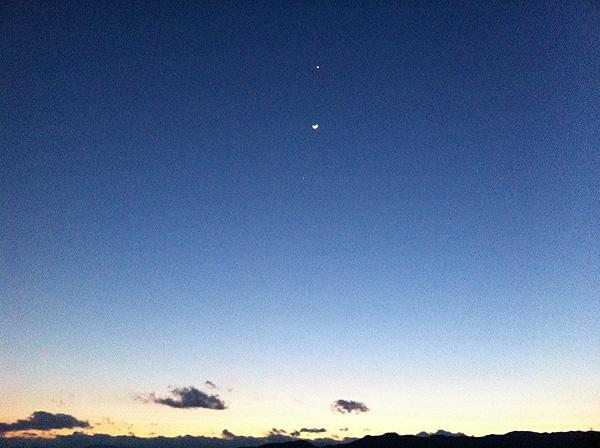 iPhone (2011,03,26) 山梨県甲州市にて。上から金星・月・木星