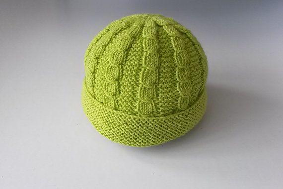 Mini berretto bebé verde lime scuro in lana di KoraLine1971