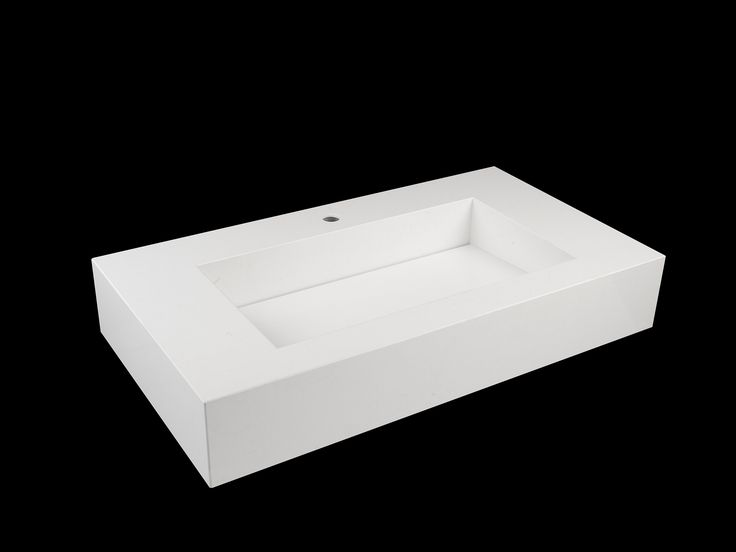 Acqua Maximum: surface and accessories should include functionality, aesthetics and easy maintenance.