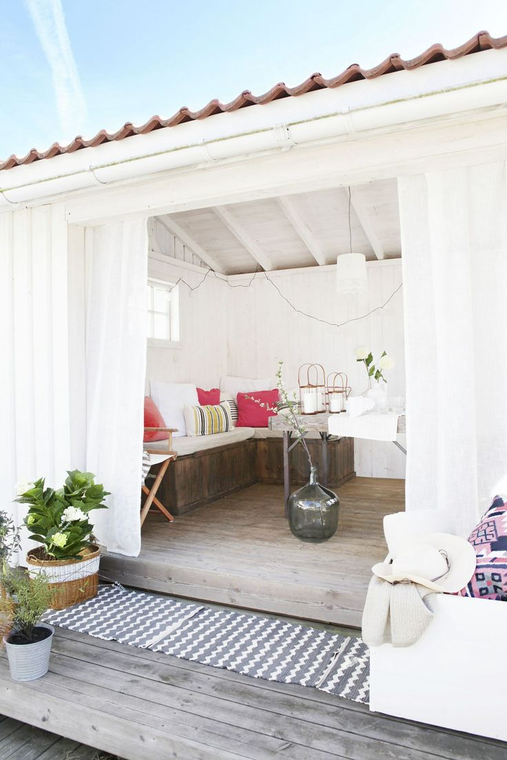 colorful + covered outdoor space