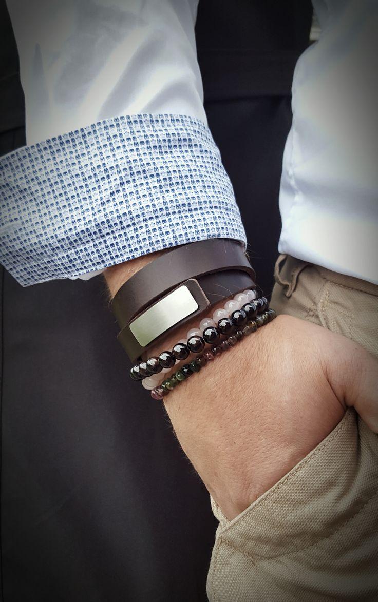 Wear Clint - Tuigleren dubbele armband (18mm / bruin) met RVS-sluiting. Gecombineerd met armbanden van toermalijn, granaat en rozenkwarts.