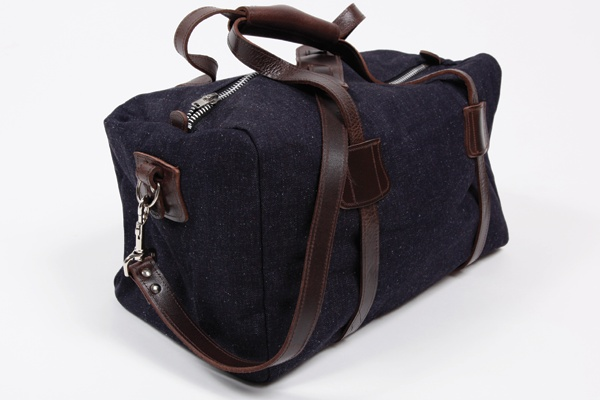 Very nice duffle bag. Classy, and masculine without being sporty/tacky. [Naked Famous Duffle]:  Postbag, Naked Famous, Famous Duffle, Posts, Carrie Stuff, Nice Duffle, Duffle Bags