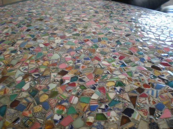 Art Décor: Broken Tile Tabletop.