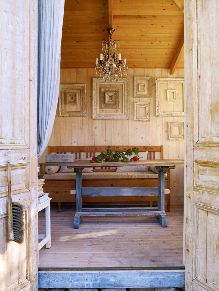 Med känsla för pärlspont, gustavianska möbler och industrilampor - Sköna hem