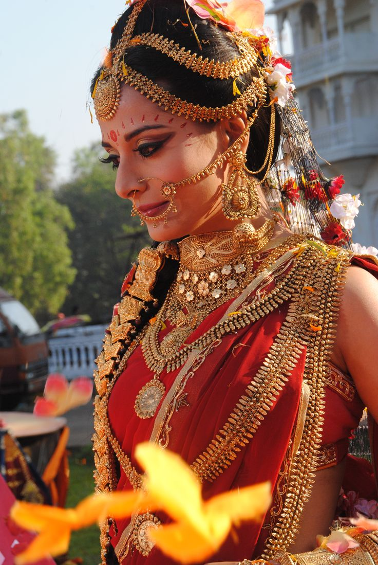 pooja-sharma-who-plays-draupdi-in-mahabharat