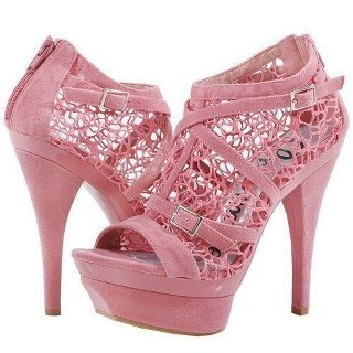 love these pink heels