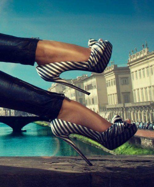 Hot Shoes, Fashion Shoes, Walks, Style, Black White, Zebras Prints, High Heels, Stripes, Girls Shoes