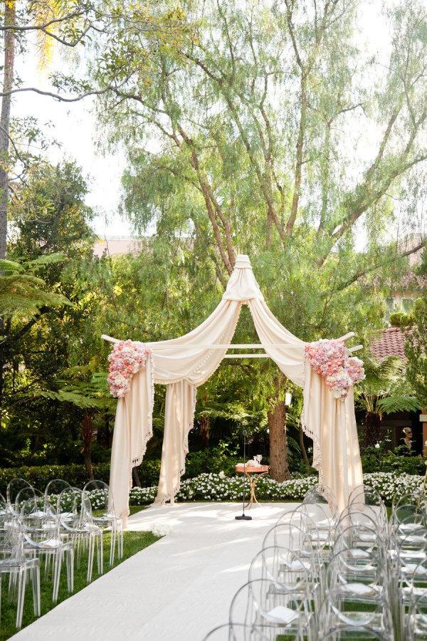 Beautiful wedding reception in the Bungalow Gardens at #beverlyhillshotel