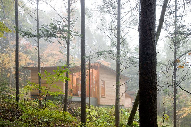 Weekend Cabin: Is your home a structural metaphor for your life? http://www.adventure-journal.com/2014/10/weekend-cabin-inbetween-house-karuizawa-japan/