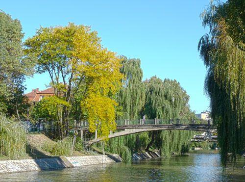 Sommer - Begakanal, Brücke zwischen den Parks, Temeswar