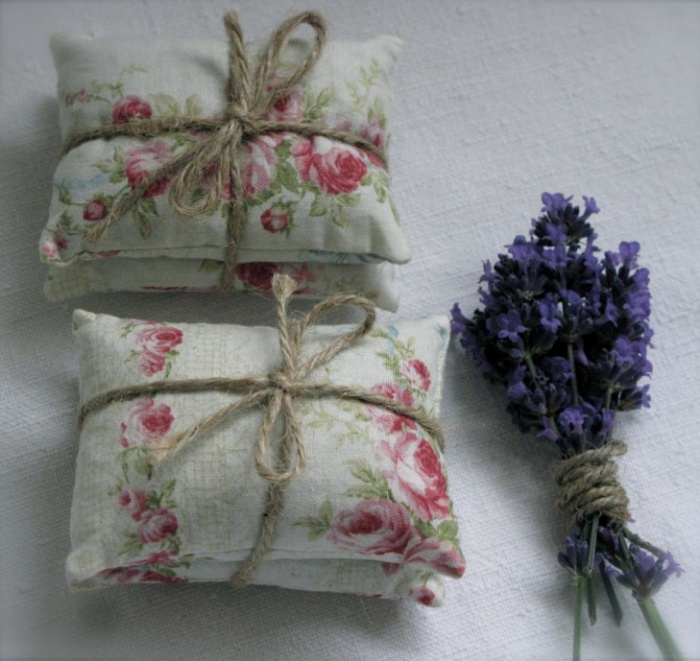 Vintage Wedding Favours - going to make these for my vintage wedding bags! Find more wedding favour ideas here http://raspberrywedding.com/category/raspberry-wedding/decoration/stationeryandfavours/