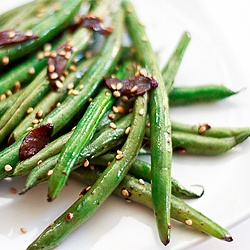 Asian-Style Sesame and Garlic Green Beans – A Quick and Flavorful ...