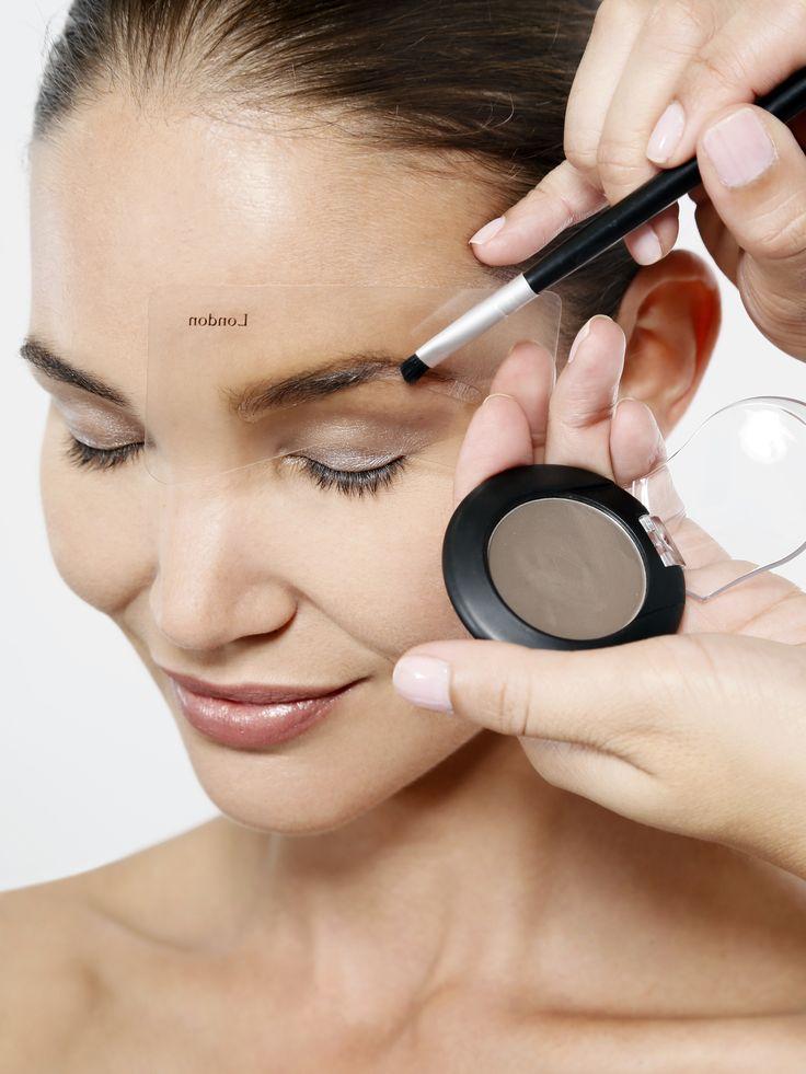 Las cejas son esenciales para embellecer tu mirada. Con nuestros powder mírame saca el mayor provecho de ellas y ¡logra tu mirada perfecta! www.miramexxl.com