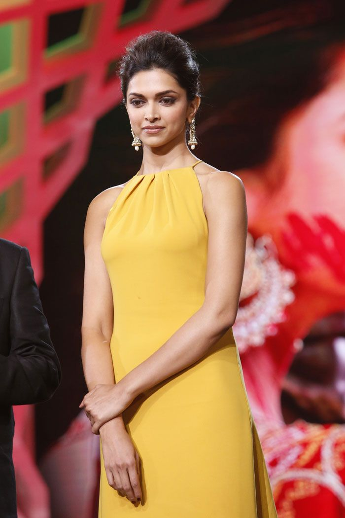 DEEPIKA PADUKONE: THE WORLD'S SEXIEST WOMAN - HitFull.com